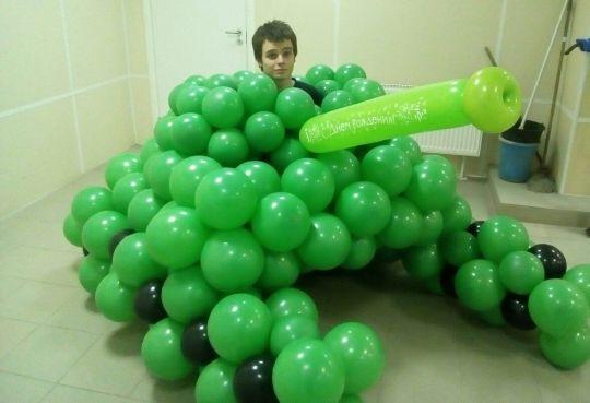 Фигура Танк из шаров